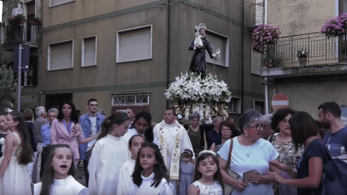 Angellara, grande festa per Sant'Antonio - Gwendalina.tv