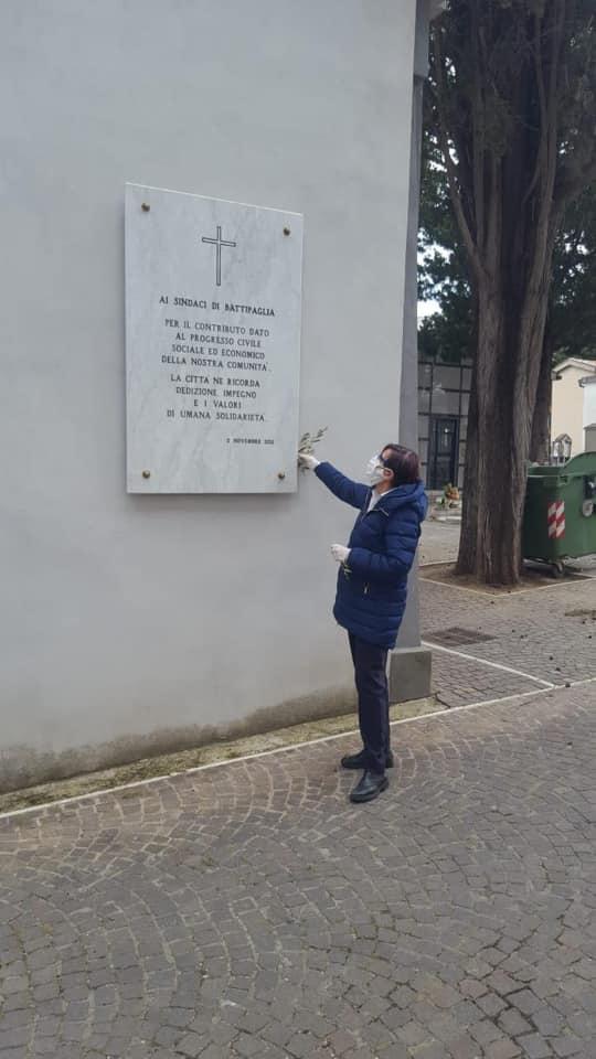 """Battipaglia, sindaca Francese: """"I miei cittadini un esempio"""" - Gwendalina.tv"""
