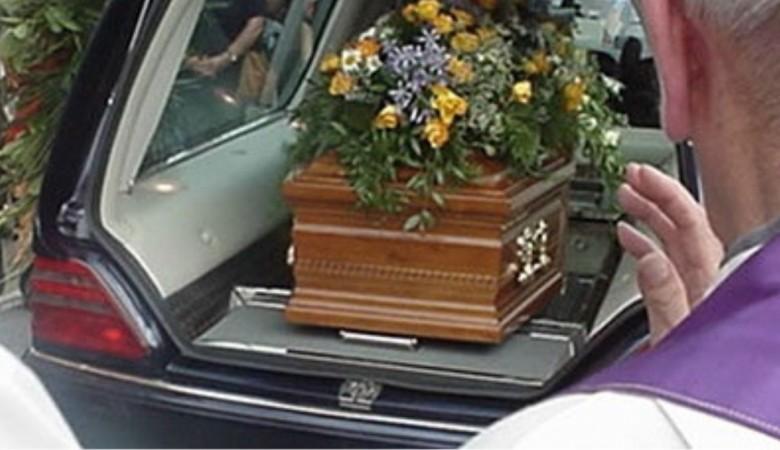 Stella Cilento: funerale non autorizzato, tutti denunciati - Gwendalina.tv