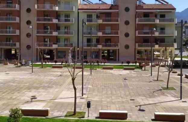 Troppi assembramenti, chiusa una piazza in Provincia di Salerno - Gwendalina.tv