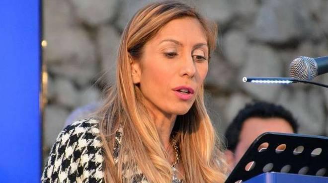 Vallo della Lucania, la vicesindaco Coraggio candidata alle prossime regionali - Gwendalina.tv