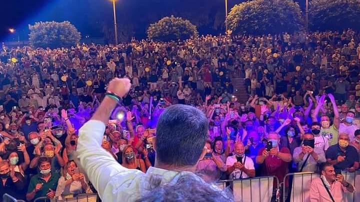 Salvini a Sapri, grande folla e nessun distanziamento sociale - Gwendalina.tv