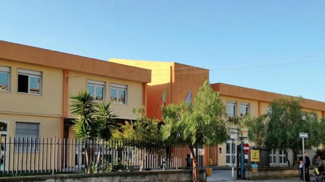 Scuola Santa Marina Policastro: dislocati gli uffici scolastici, è polemica - Gwendalina.tv