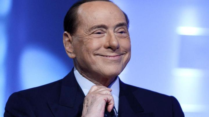 """Berlusconi su De Luca: """"E' un personaggio TV ma la politica non è spettacolo"""" - Gwendalina.tv"""