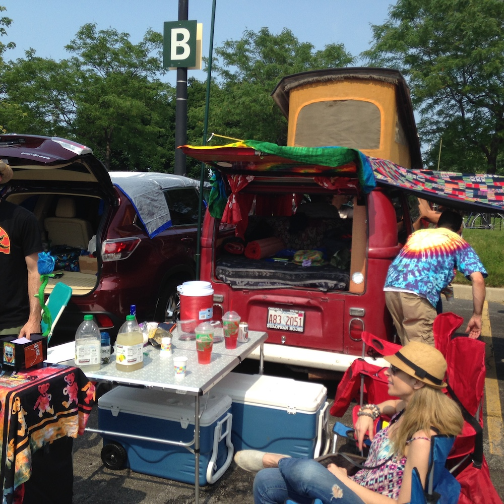 Dead Heads tailgating