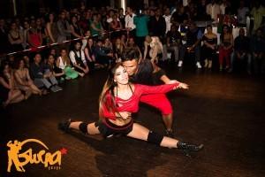 Salsa Show dancers