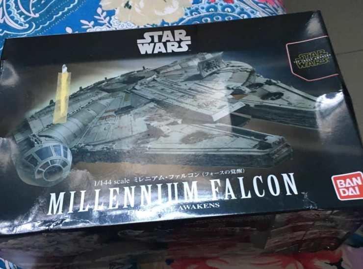 Unboxing dan Review Model Kit Millennium Falcon Star Wars Plamo Bandai GwiGwi - 7