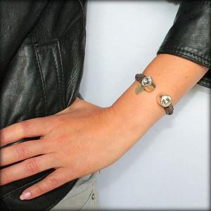 Bracelet femme demi jonc cuir daim cristal Swarovski 2