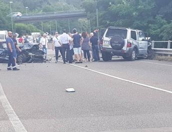 Perito, scontro tra due auto  sulla Cilentana