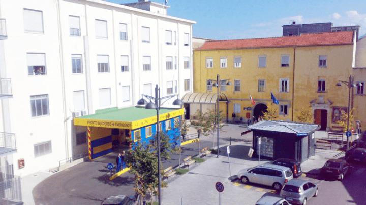 Ospedale Eboli, Ciarambino: «Gravi carenze igieniche»