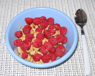 Photo: Fresh raspberries from the farmer's market in Gore Bay, Ontario. Credit: L. Borre.