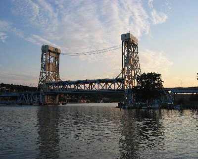 Photo: The lift bridge in Houghton, Michigan. Credit: L. Borre.