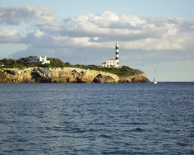 Photo: Lighthouse, Puerto Colom, Mallorca. Credit: Lisa Borre.