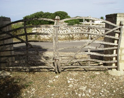 Photo: Typical wooden gate on Menorca. Credit: Lisa Borre.