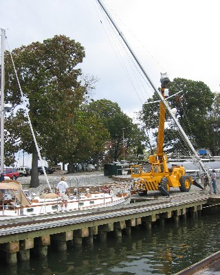 Photo: Restepping mast of Tayana 37 Gyatso at Port Annapolis Marina. Credit: Lisa Borre.