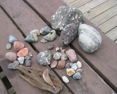 Photo: rock collection from Lake Superior. Credit: L. Borre.