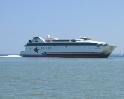 Photo: A new high speed ferry began operation in 2004 on Lake Ontario. Credit: L. Borre.