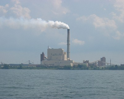 Photo: Power plant on the south shore of Lake Ontario. Credit: L. Borre.