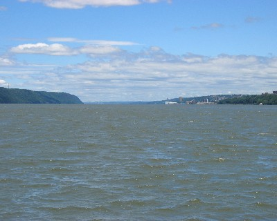 Photo: View of Lower Hudson River. Credit: L. Borre.