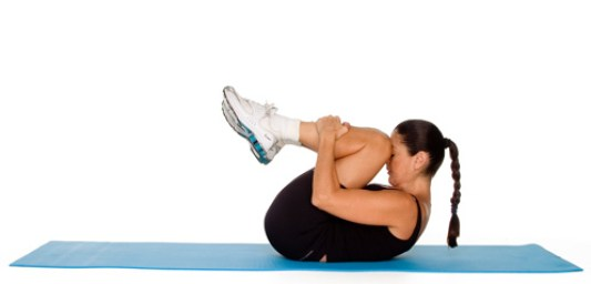 pho_exercise_floor-abs-knee-hug