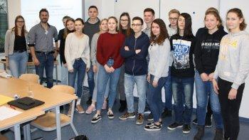 Permalink zu:Wie Ganderkeseer Gymnasiasten ihre Berufskarriere starten können