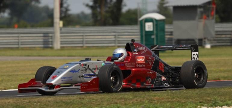 Gender Racing Team : A fiatalokkal a frontvonalban