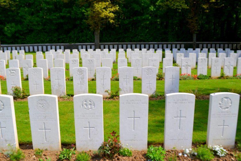 vimy-cemetary-graves