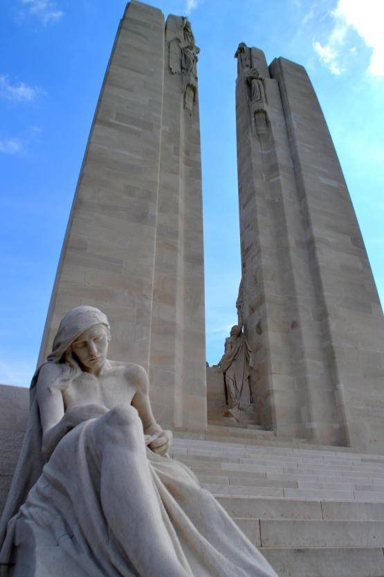 vimy-memorial-statue
