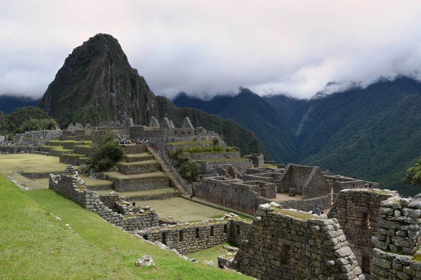 machu-picchu-on-a-cloudy-day-with-a-low-sky-peru