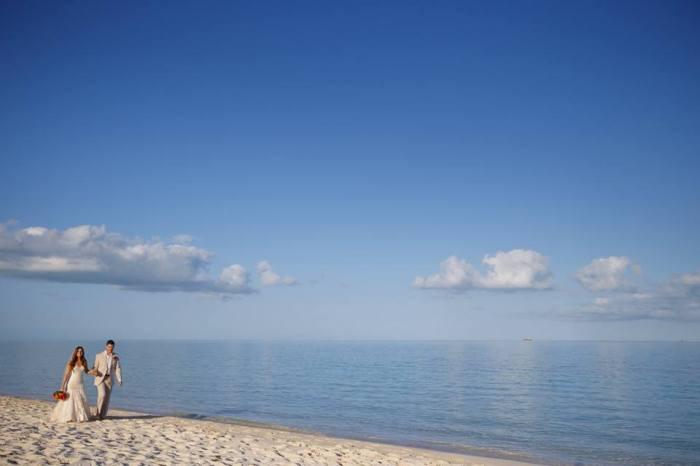 Grant and Rachels beach wedding on Turks and Caicos