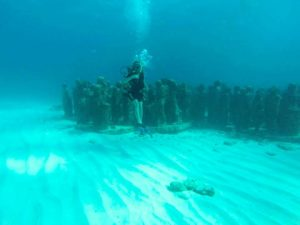 Rachel diving MUSA