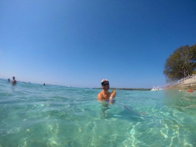 clear blue water on isla grande