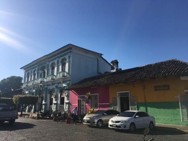 building granada nicaragua