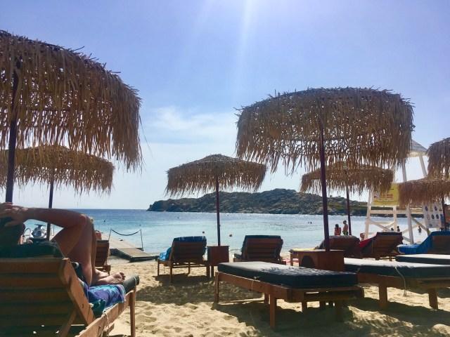 beach club in mykonos
