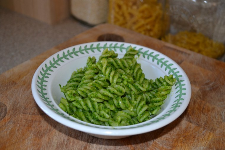 Forage wild garlic pesto pasta