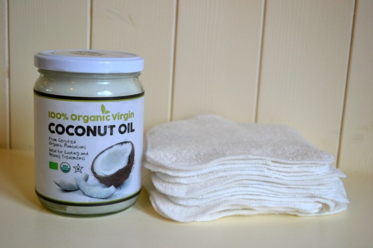 Homemade face wipes with coconut oil