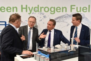 "Stephan Weil demanded during the Hannover Messe: ""Hydrogen technology from Lower Saxony for Lower Saxony and the rest of the world - all over the world."""