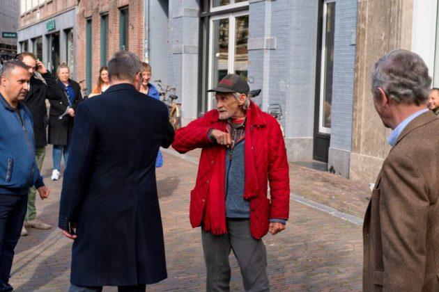 Edo Paardekoper vertelt verhaal aan Jos Wienen. Fotografie: Joost Keet.