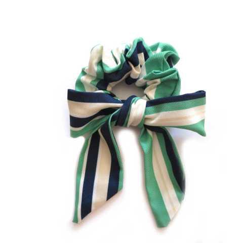 Scrunchie mit Schleife grün