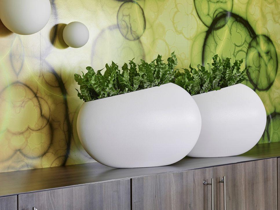 Zwei Tischgefäße weiß, Haas Innengrün
