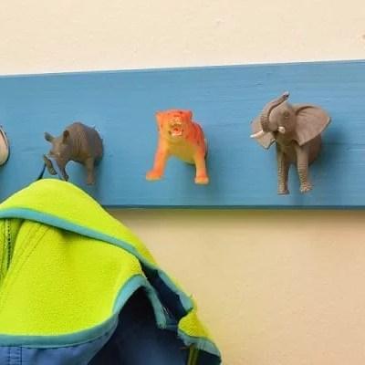 Geschenk fürs Kinderzimmer: Wildtier-Garderobe