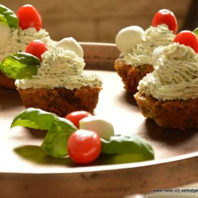 Herzhafte Cupcakes Caprese