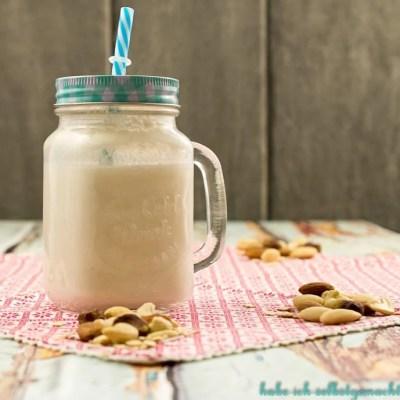 Nussmilch oder Hafermilch selber machen – vegane Milch