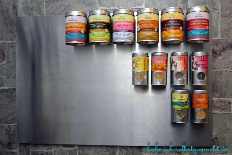DIY Selbstgebautes Gewürzregal mit Magneten