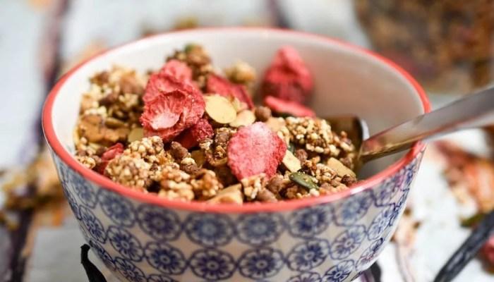 Selbstgemachtes Eiweiß Protein Müsli – Granola