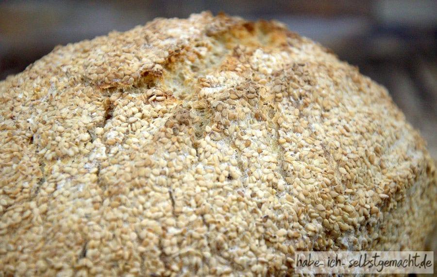 Sesambrot aus dem Römertopf