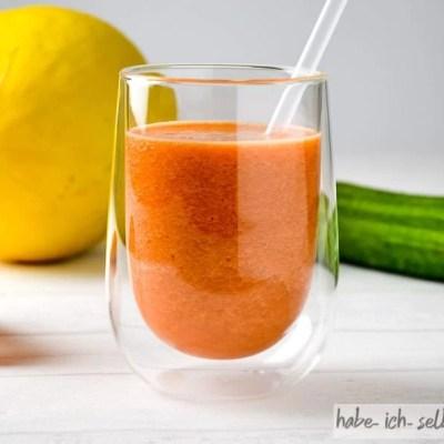 Frischer Orange Melone Gurke Karotten Saft