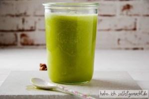 Frisch gepresster Saft Honigmelone Sellerie Limette 2