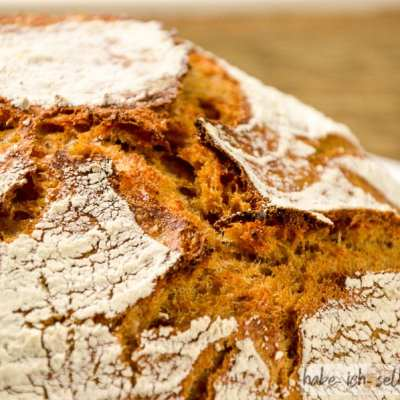 Brot #28 – Orange Dinkelkruste mit Karottensaft