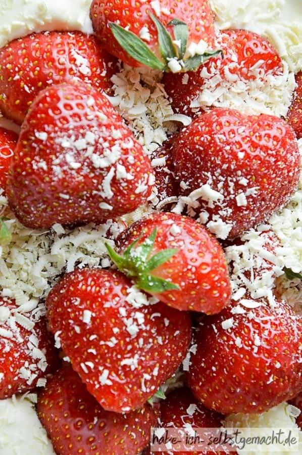 Erdbeeren mit weißer Schokolade